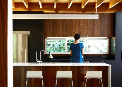Kitchen_area_with_breezway_louvres