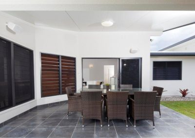 Altair Louvre Windows can have external screens installed